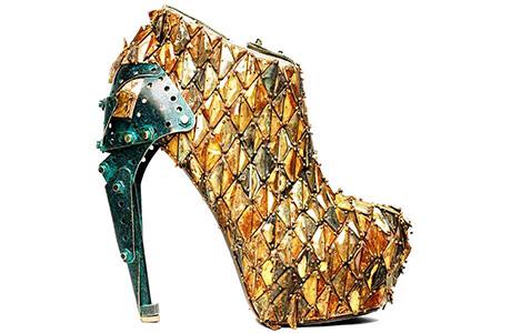 Fashionable Golden Metal Shoe