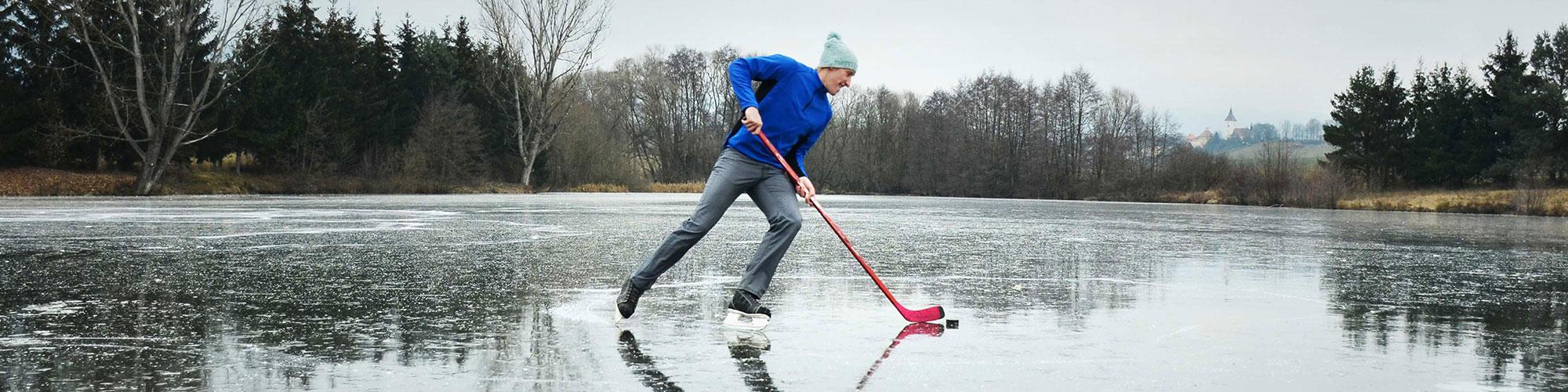 French Canadian Pond with Hockey Translator